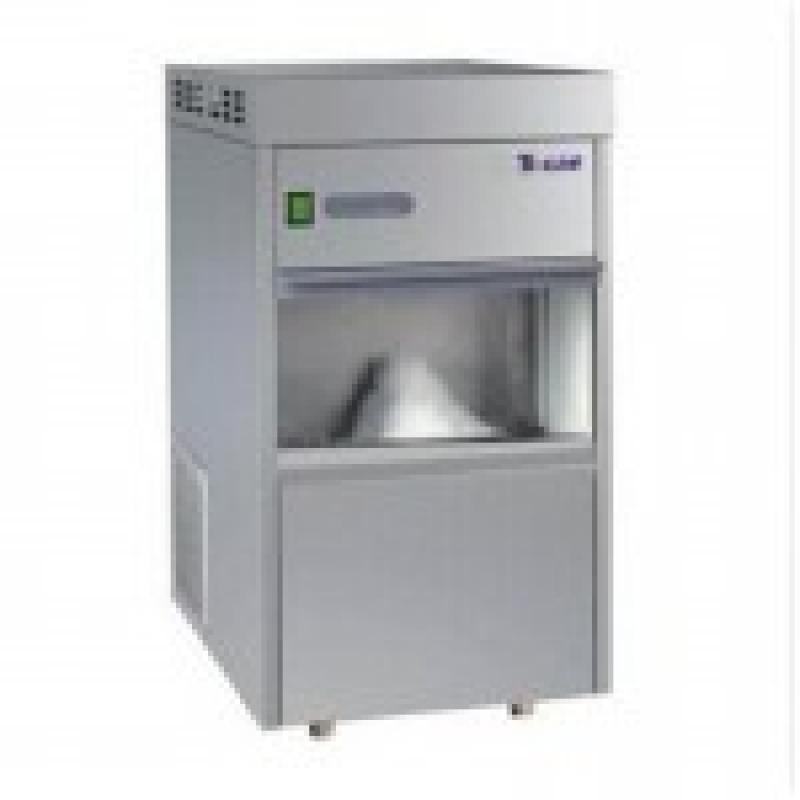 特性: 全自动制冰,微电脑自动控制系统,方便、安全、稳定。 采用优质高效无氟压缩机,制冷效果好,噪音低,运行更平稳可靠。 采用优质不锈钢外壳,防腐耐用,独立型一体式结构,节省空间,造型美观。 箱体隔热层为无氟发泡,保温效果好,内胆为无氟抑菌型,节能环保。 采用专利技术的行腔隔片式制冰蒸发器,制冷效率高,产冰量大。 有冰满显示,缺水显示,过冷保护显示,故障警告显示等保护性停机功能。制冰机冰满缺水时会自动停机,当来电来水时会自动开机,具有自动记忆恢复功能。 螺旋滚刀挤压式制冰型式,所制冰形为不定形的细小颗粒状